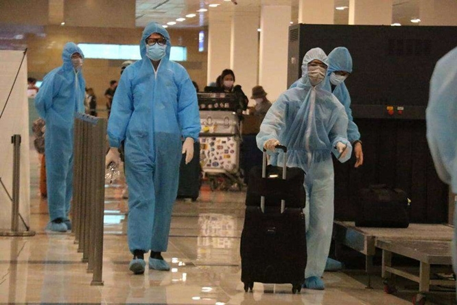 over 300 stranded vietnamese fly home from singapore