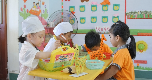 Understanding gender inequality through playful education