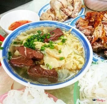 Vietnamese style duck vermicelli