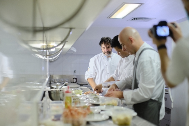 Diplomats cook for charity
