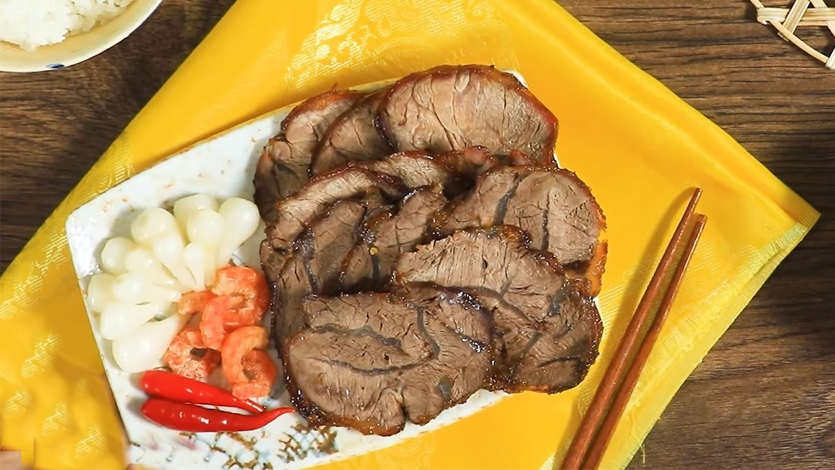 Recipe: Braised beef with sugarcane molasses – a specialty of Nghe An with video