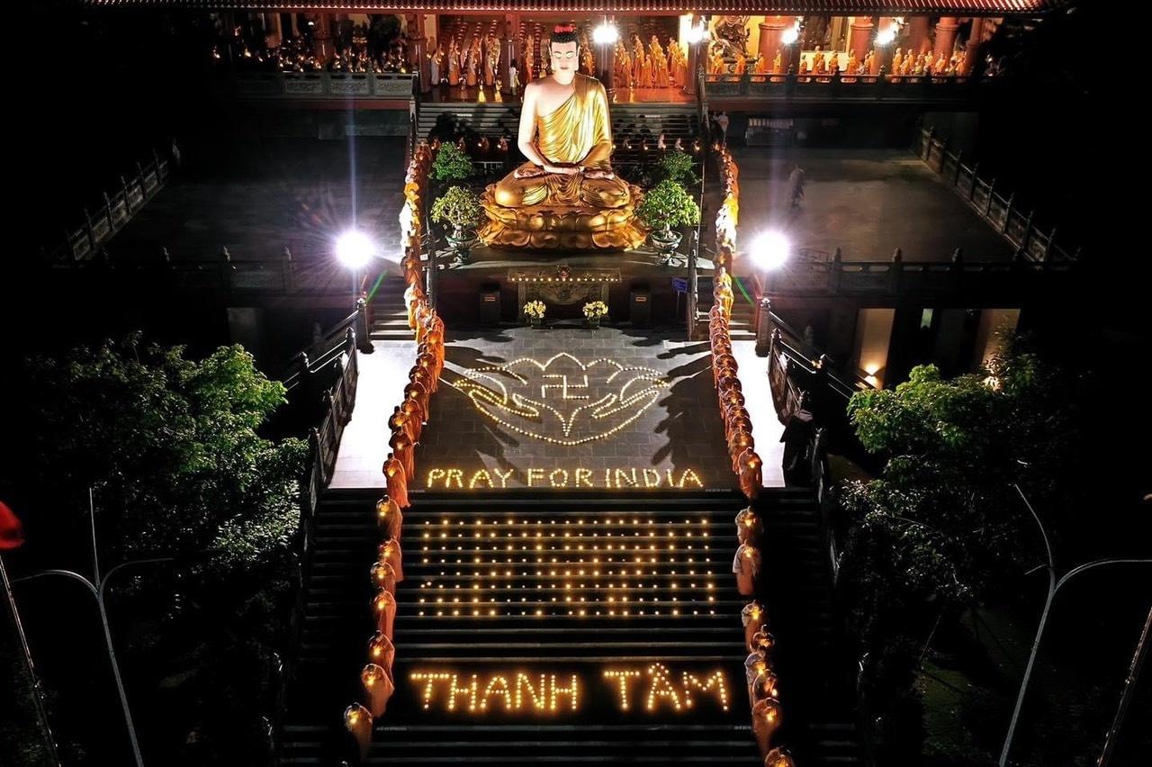 Vietnam Buddhist Sangha offers 1.8 billion VND medical aid for India