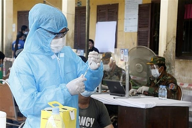 Vietnam gifts masks, ventilators to support Cambodia against Covid-19