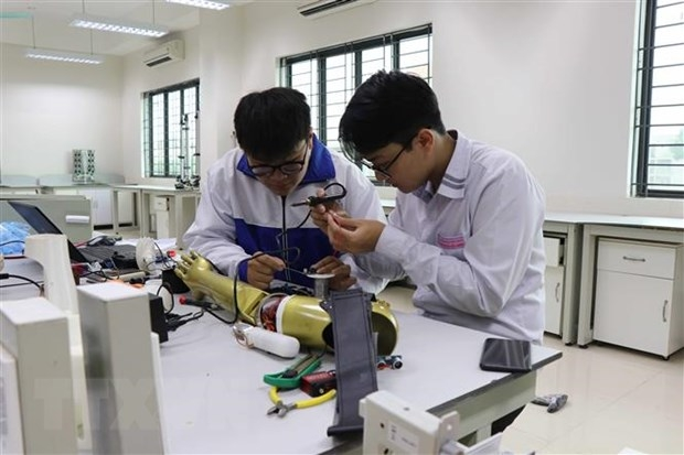 Vietnamese students earn prize at largest global highschool STEM competition