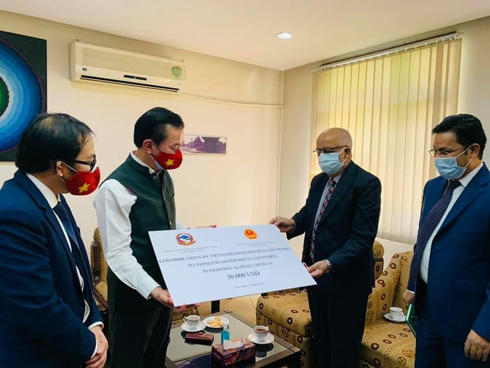 Vietnam send aid to Covid-hit Nepal