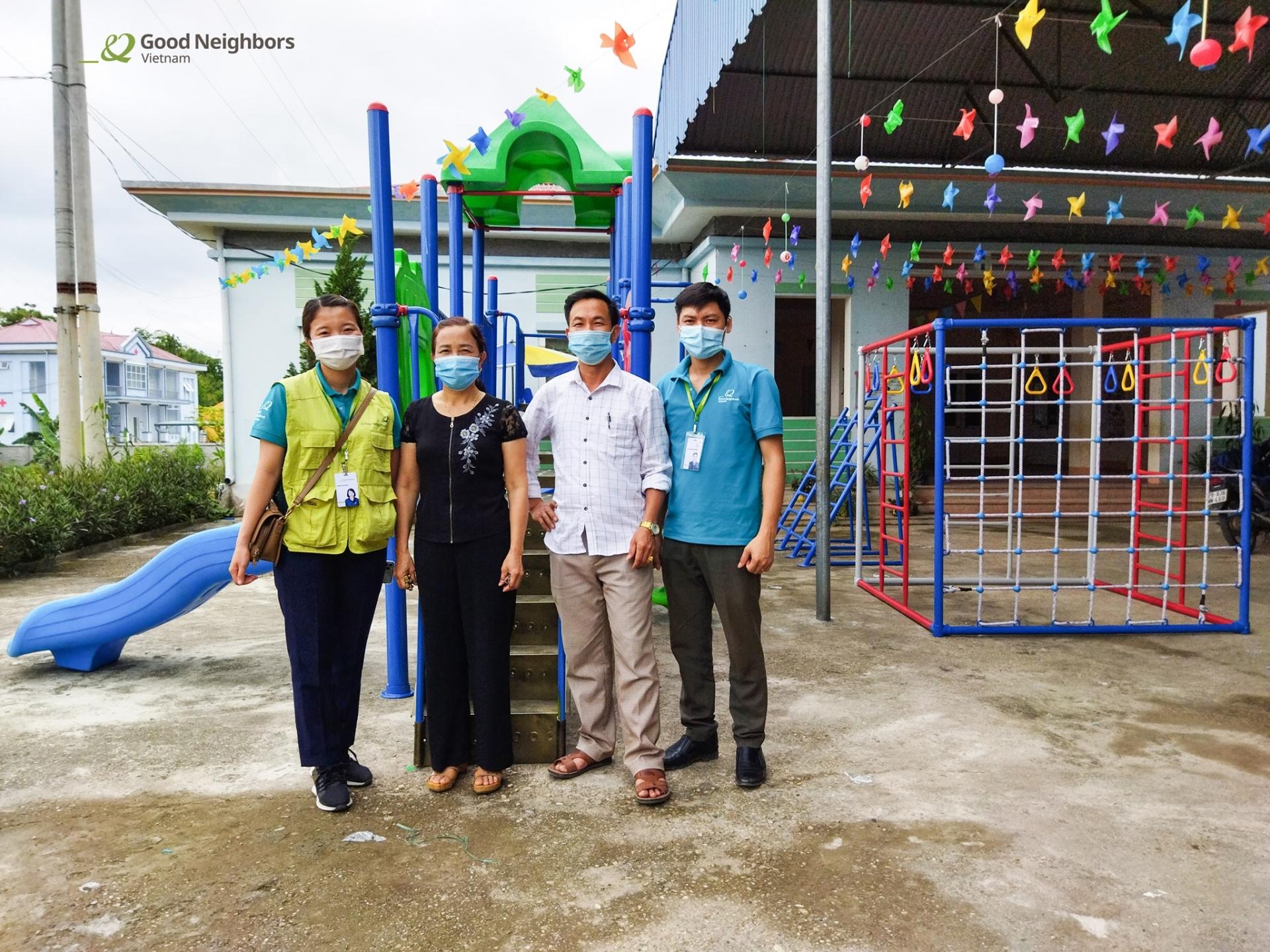 Korean NGO supports playground equipment for Tuyen Quang's kindergarten