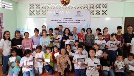 CNCF donates USD 1.285 to support needy children in Vietnam amid COVID-19
