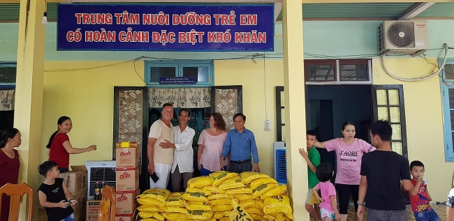 NGO prepares food for Quang Nam