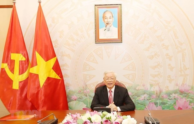 Top Vietnamese leader holds phone talks with Russian President