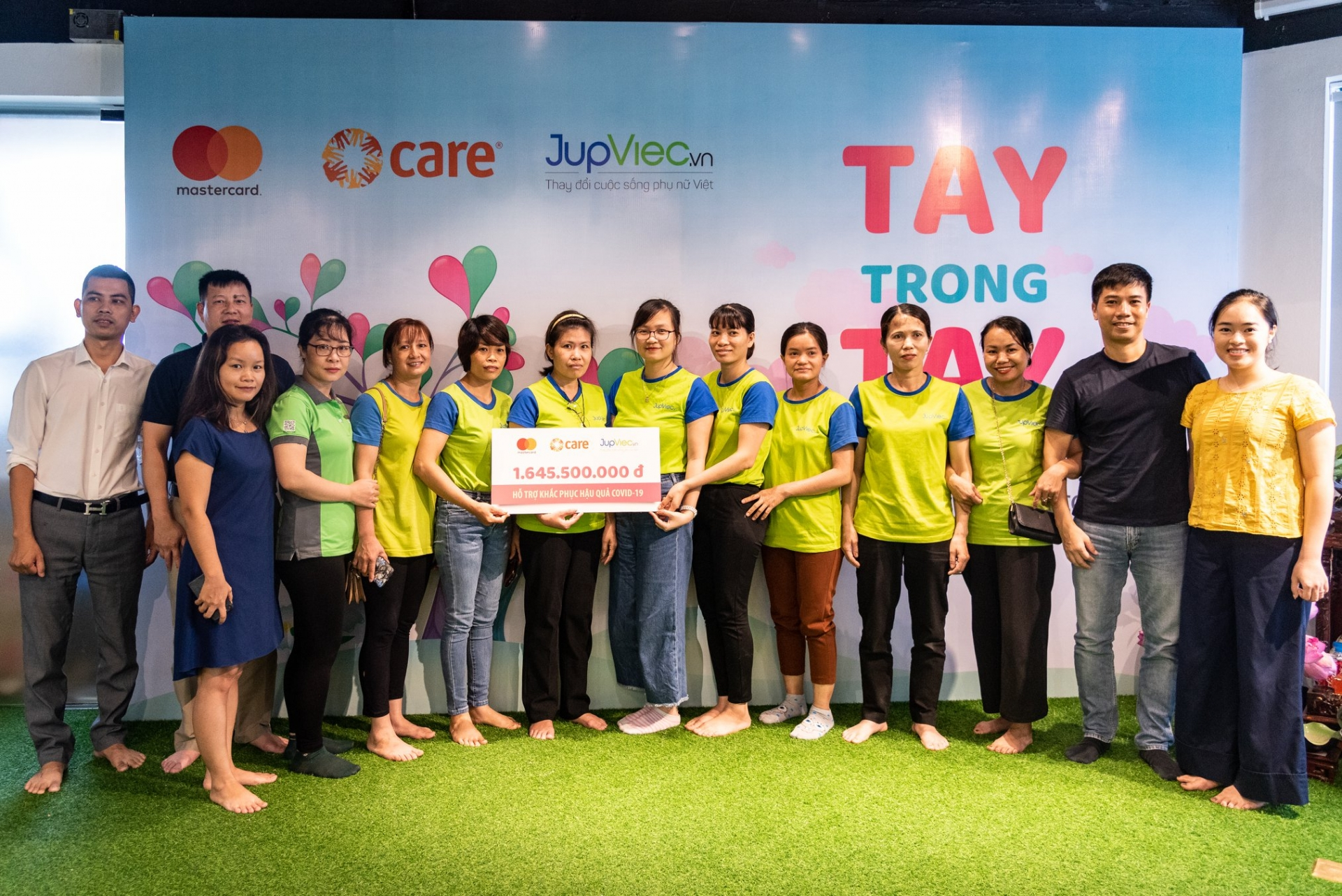 COVID-19: 800 female house cleaners received USD 70,000 financial support