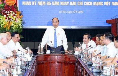 PM: Journalists make huge contributions to nation