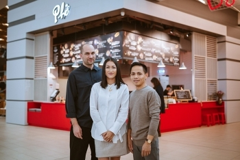 first vietnamese woman makes forbes under 30 slovakia list with pho restaurant
