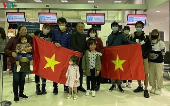 vietnam continues to repatriate more citizens from coronavirus hit countries