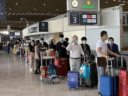 Nearly 300 Vietnamese repatriated from European countries due to COVID-19