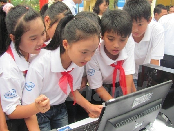 UNICEF welcomes Vietnam's first national-level programme on child protection online