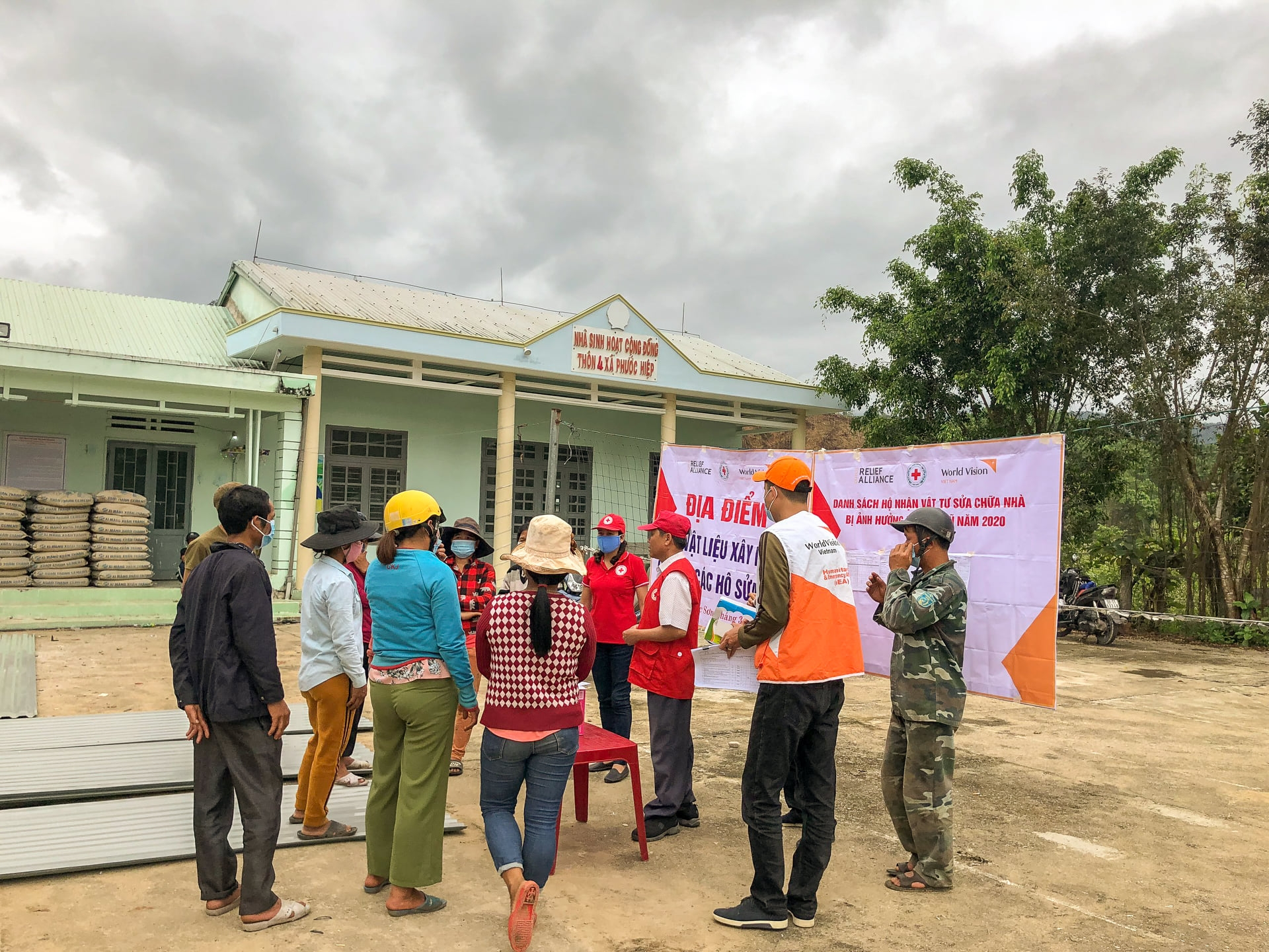 US$ 15,898 worth Covid-19 emergency aid package handed over to Ho Chi Minh City
