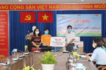 Covid-19 emergency aid package given to Ho Chi Minh City