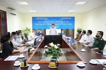 Vietnamese alumni assist Cuba combat Covid-19