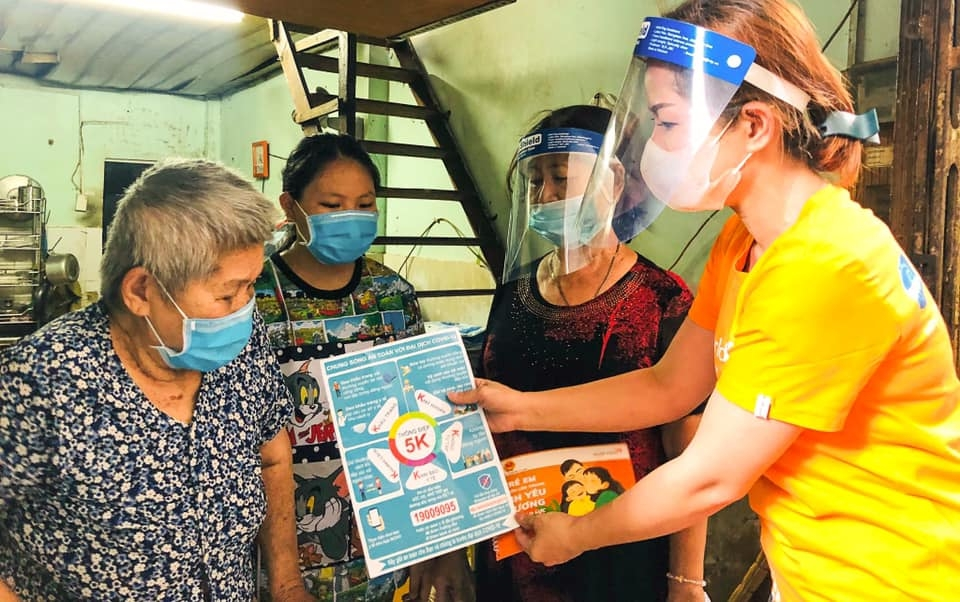 International friends join hands in Vietnam's COVID-19 control effort