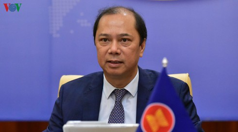 asean china agree to go ahead with negotiations on code of conduct in east sea
