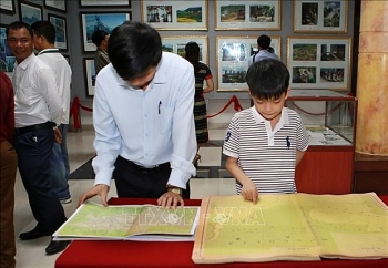 vietnams sovereignty over hoang sa truong sas exhibition comes to quang tri