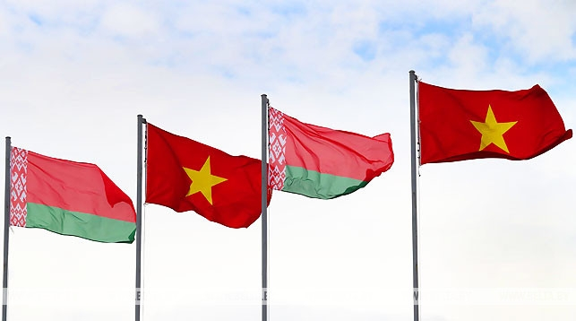 vietnamese leaders extend independence day greetings to belarus