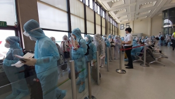 tan son nhat airport welcomes over 240 returning citizens from taiwan