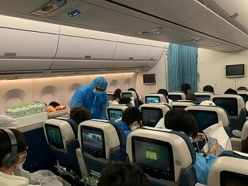 Vietnamese citizens fly home from Japan, US