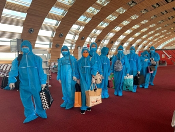 nearly 540 vietnamese citizens safely repatriated from hard hit countries