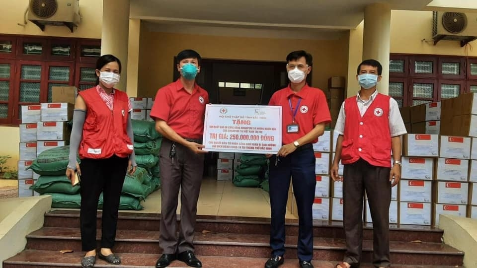 Aid Come to Covid-hit Families in Bac Giang, Bac Ninh