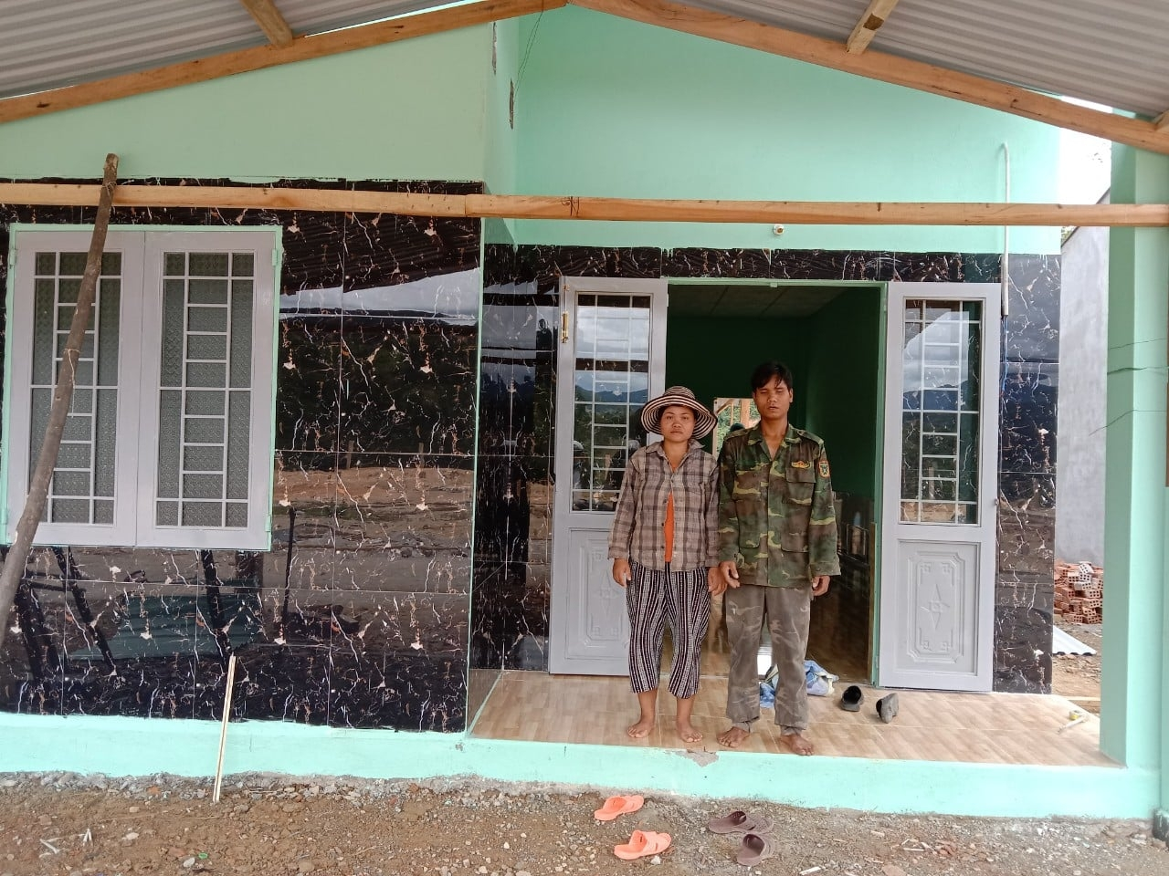 6 houses handed over to Quang Nam households affected by natural disasters
