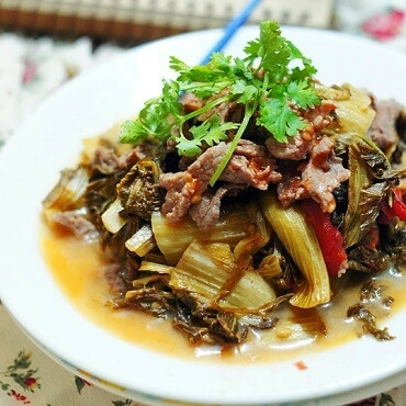 How to Make Braised Beef Ribs With Pickled Mustard Greens