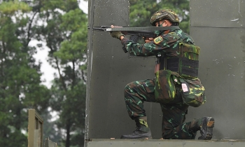 Ready, Aim, Fire!: Vietnamese Snipers at the Army Games