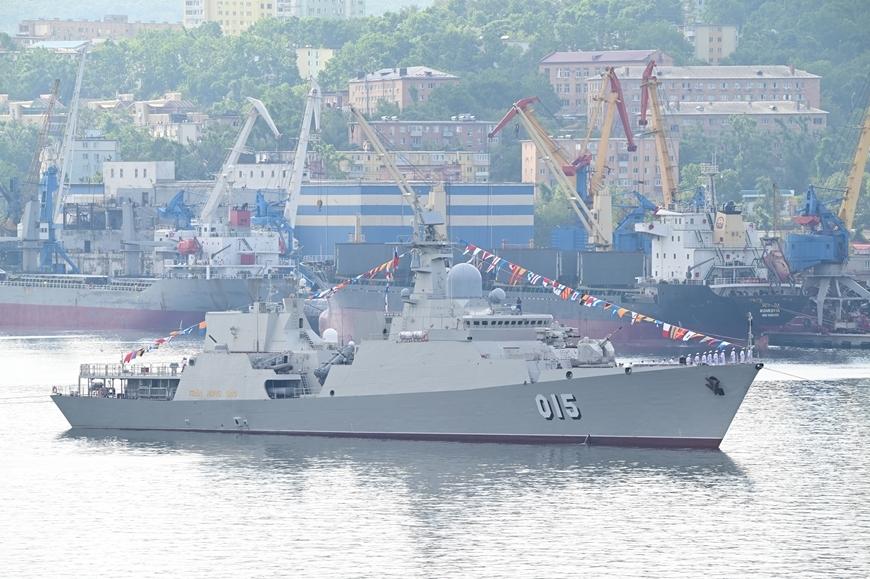 Photos: Vietnamese warships join fleet review in Russia