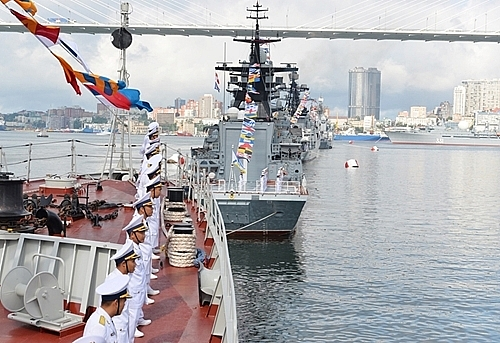 Photos: Vietnamese Frigates Join Fleet Review Marking Day of Russian Navy