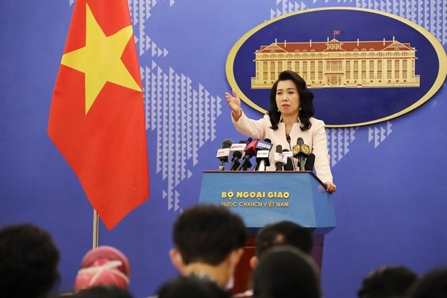 vietnam resolutely opposes chinese illegal moves in bien dong sea