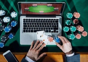 thua thien hue deports seven foreigners for online gambling