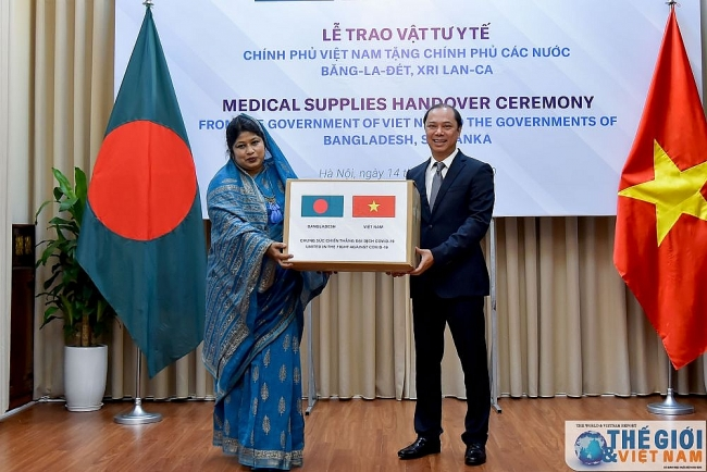 vietnam gifts usd 60000 medical supplies to bangladesh and sri lanka