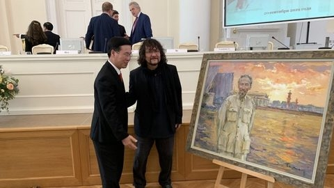 Exhibition honours Russian based painter Tuman Zhumabaev