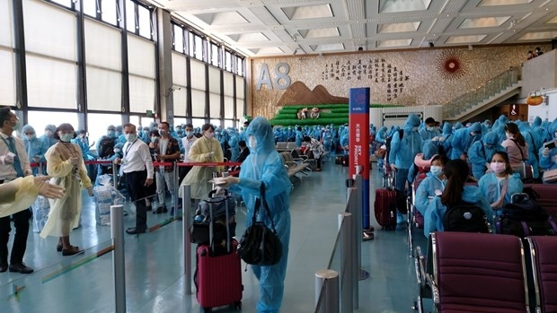 Citizens brought home from Taiwan; Singapore reports new coronavirus case imported from Vietnam