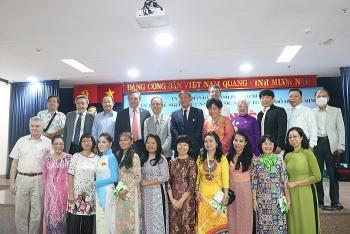 hcm city praises overseas vietnamese contributions