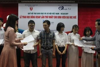 vesaf to award 156 scholarships to hue students