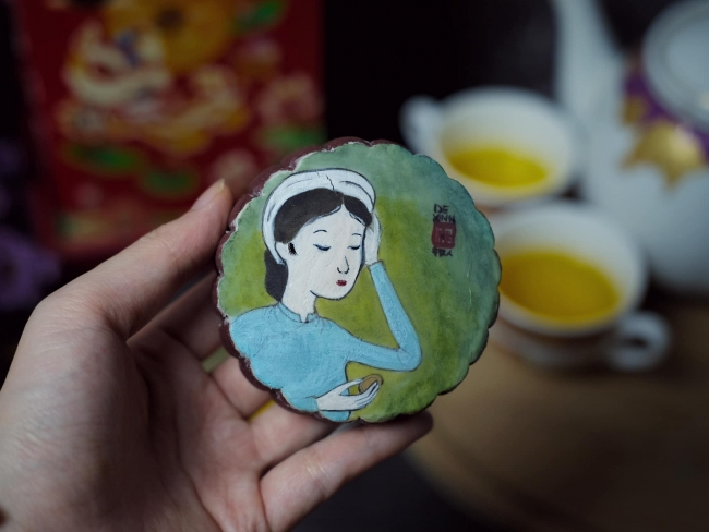 Lockdown Baking: Feast Your Eyes on These Amazing Mooncakes
