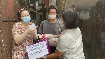 Kindness During Covid Times: Hanoi's Friendship Association Helps Russian Mother of 2