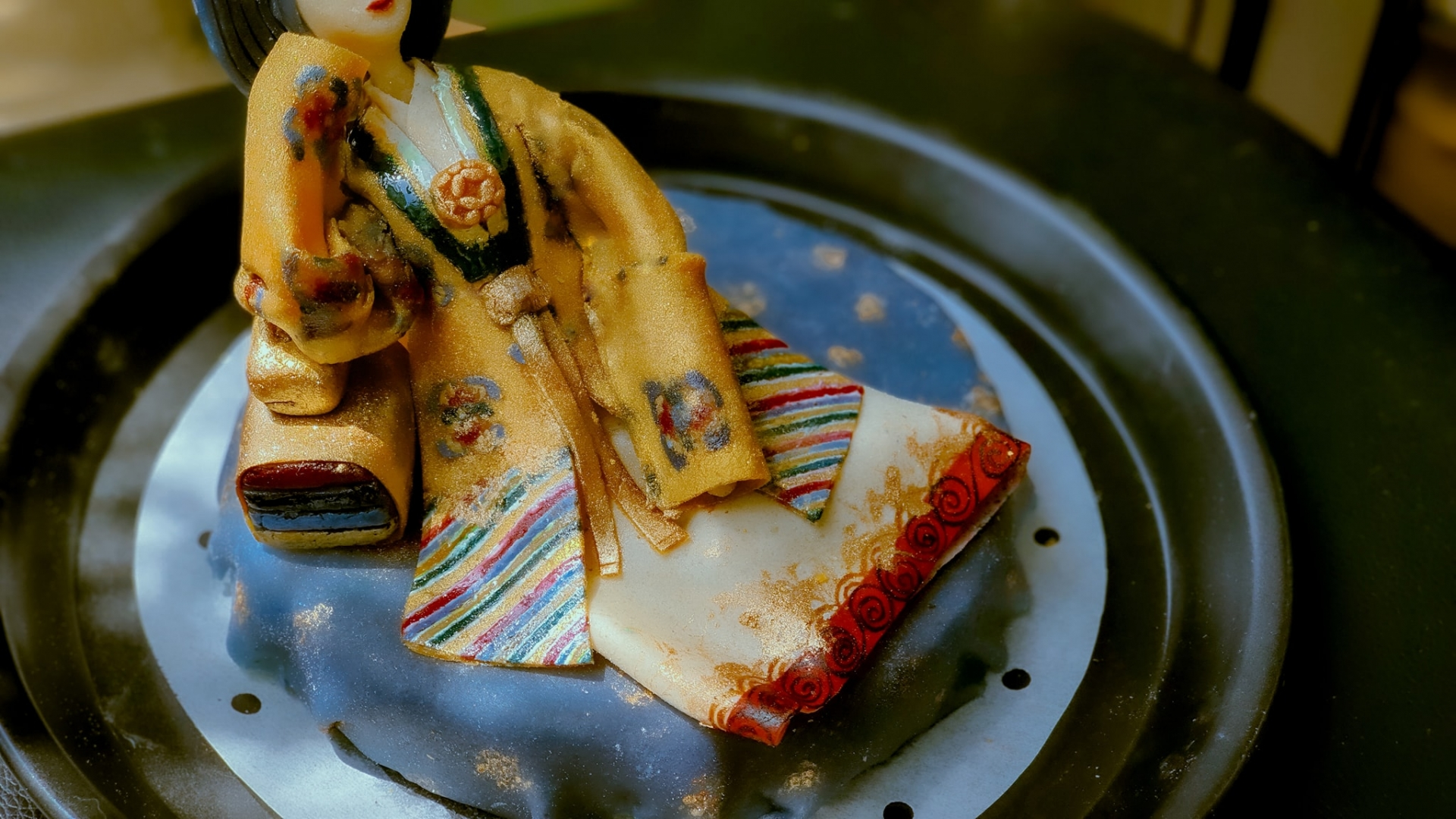 This royal-themed sticky rice are too pretty to eat