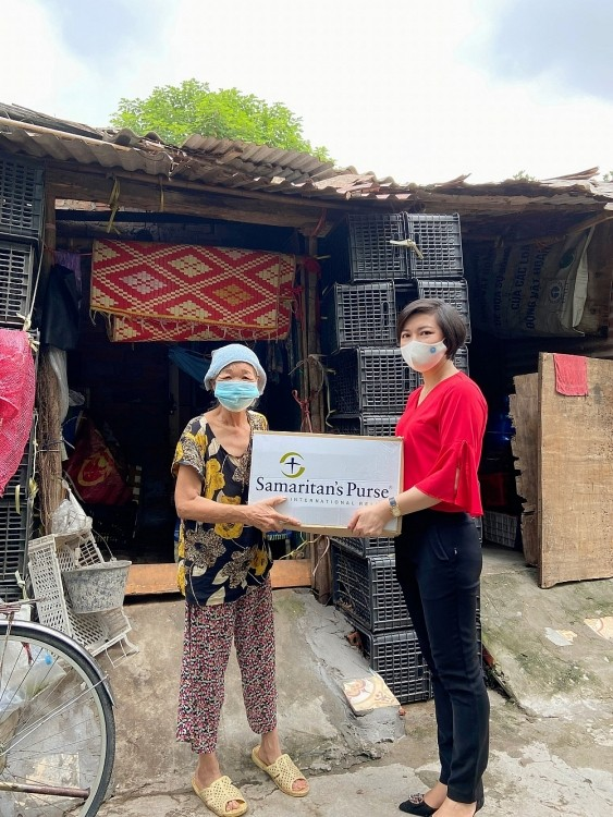 Local Friendship Unions Support Struggling People in Vietnam's 2 Biggest cities