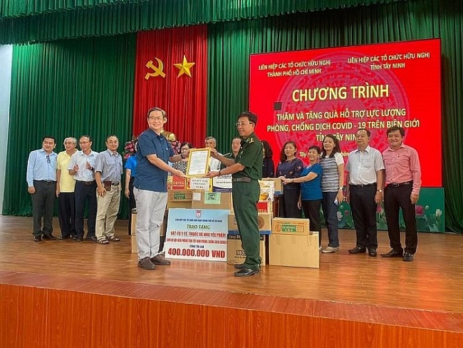 HUFO assists Tay Ninh provincial Border Guard in combating COVID-19
