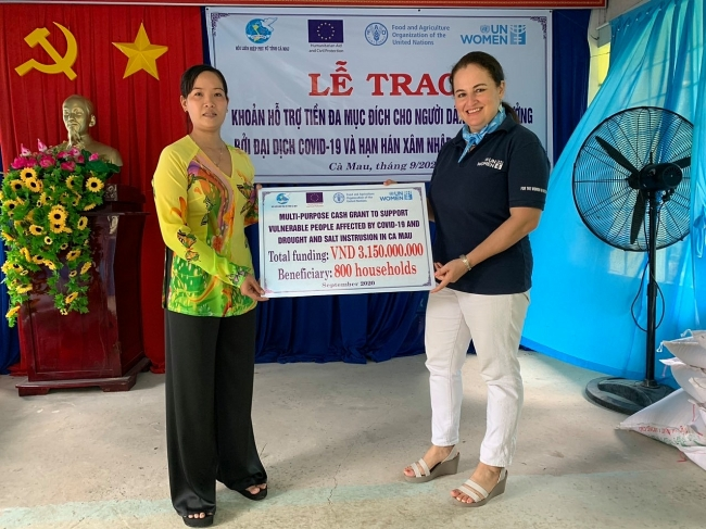US$ 133,000 to help 3,500 vulnerable people stricken by COVID-19 and drought in Vietnam