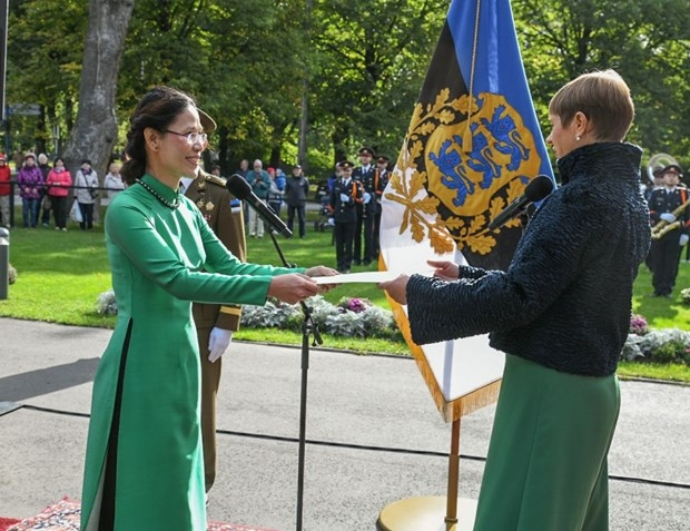 Estonian President believes in stronger friendship with Vietnam