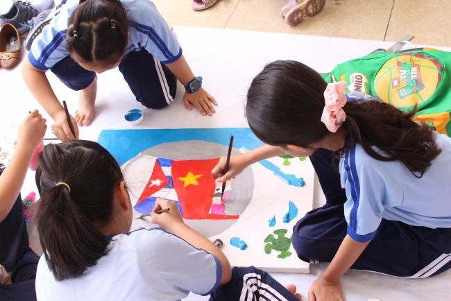Painting contest marks Vietnam-Cuba ties for children across HCMC